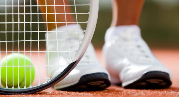 Praca nóg na korcie tenisowym