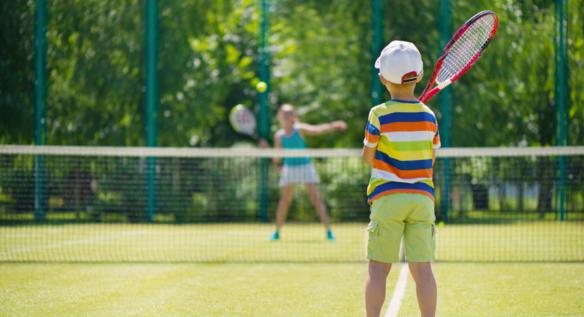 Dlaczego tenis jest tak mało powszechny na lekcjach wf-u?