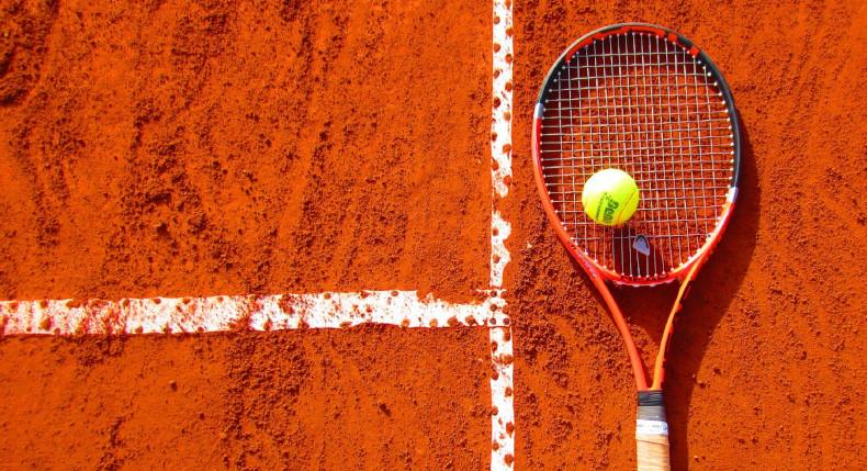 Błędy jakich powinieneś unikać podczas gry w tenisa
