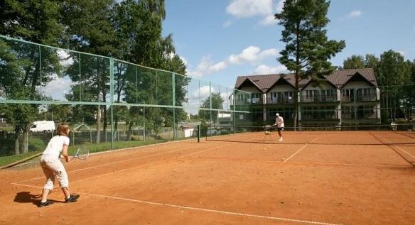 Letni obóz tenisowy w Czaplinku