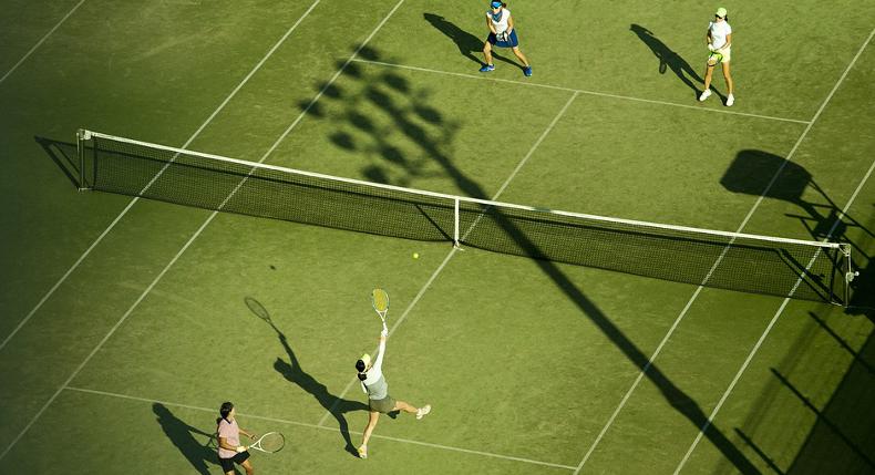 Rozgrzewka przed grą w tenisa – dlaczego jest tak ważna?