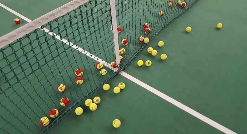 nauka gry w tenisa poprzez zabawę
