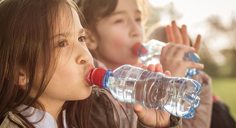 Woda – najlepszy napój dla młodego sportowca