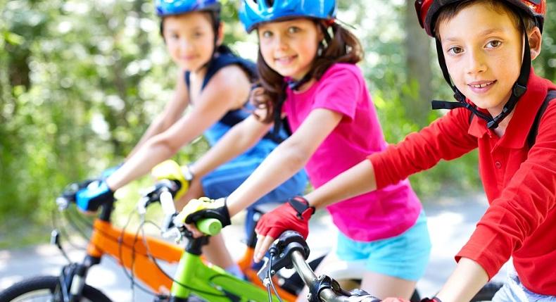 Dlaczego zachęcać dzieci do sportu? Poznaj 5 korzyści!