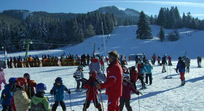 5 powodów, dla których warto wysłać dziecko na sportowy obóz zimowy