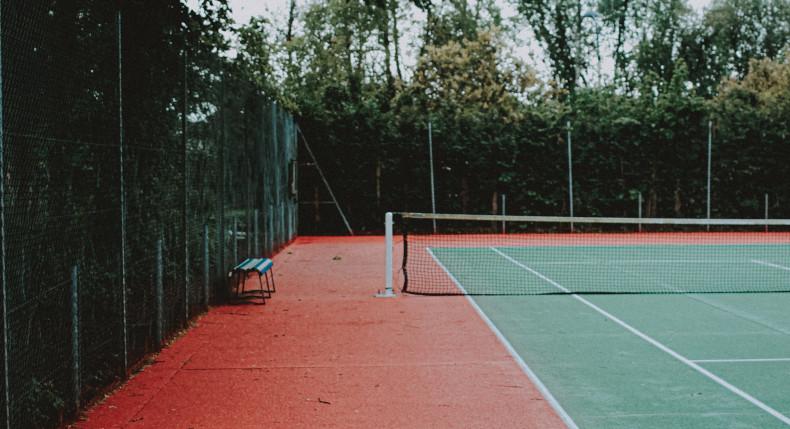 Gra w tenisa w sezonie jesienno-zimowym