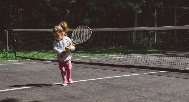 dziecko i tenis